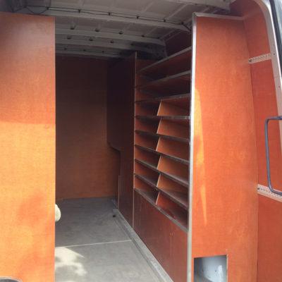 Bedrijfswagen inrichting van hout of module